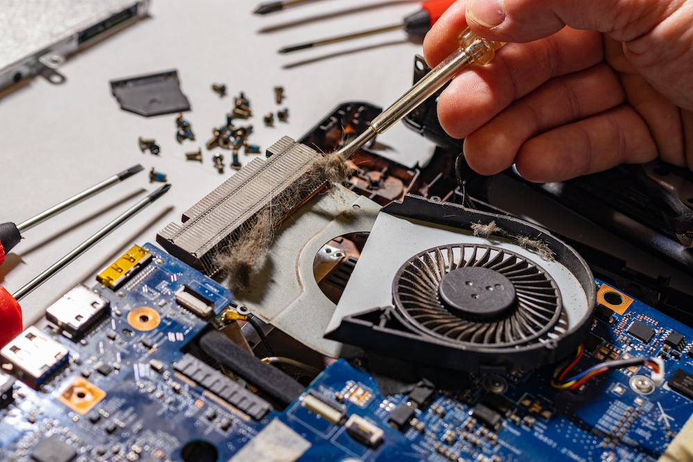 tips on how to clean motherboard