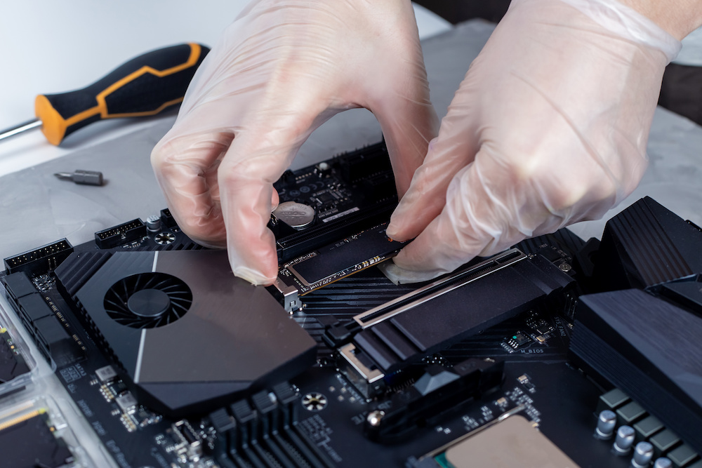 how to install ssd on motherboard